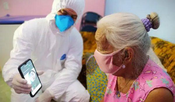 Instituto Barrichello, que ajuda famílias carentes em SP, recebe doação Leia mais em: https://veja.abril.com.br/blog/radar/empresa-de-combustiveis-doa-r-17-milhao-para-iniciativas-contra-covid-19/
