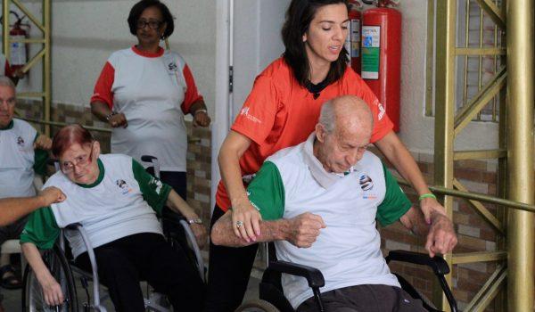Método Águia, uma 'faculdade da saúde' para os idosos do projeto Viver Melhor